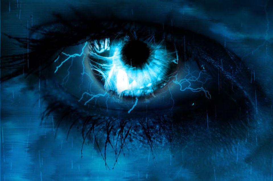 Нарисованные молнии из глаз